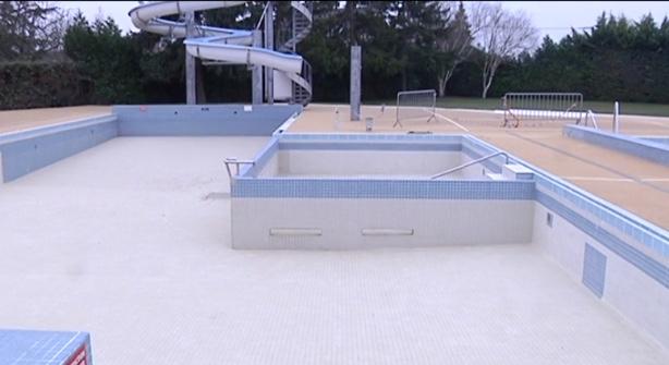 Sainte savine la piscine ne rouvrira pas canal32 - Piscine municipale troyes ...
