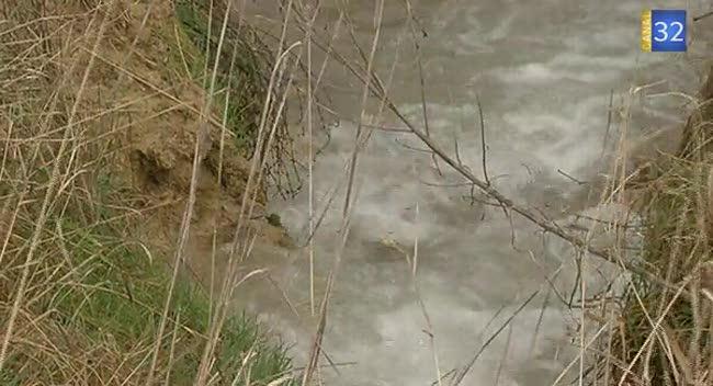 Canal 32 - Des agriculteurs préservent l'eau