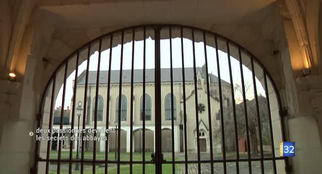 Canal 32 - Deux passionnés d'histoire dévoilent les secrets des abbayes auboises