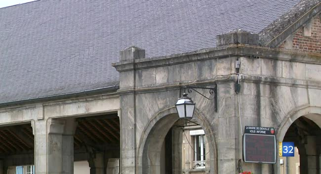 Canal 32 - Du côté du XIXème : la halle de Dienville