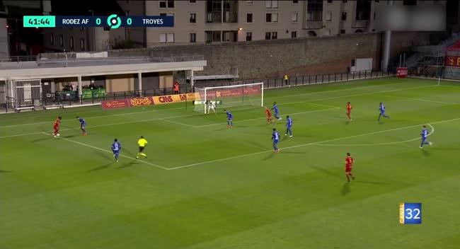 Canal 32 - Football L2, le résumé de Rodez - Estac en vidéo