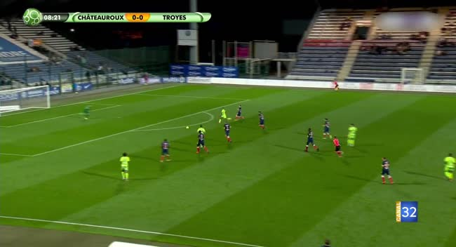 Canal 32 - Football L2, le résumé vidéo de Châteauroux - Estac avec les commentaires live
