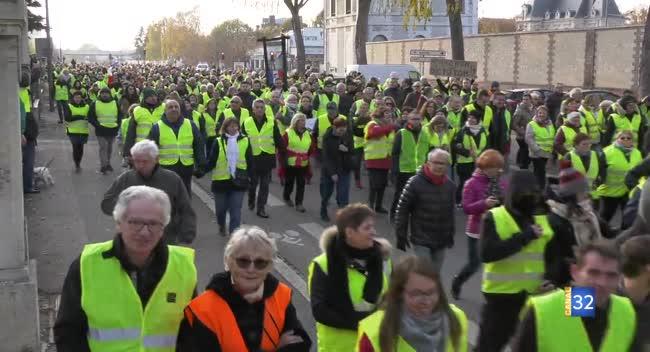 Canal 32 - Gilets jaunes : le reportage complet de la journée de mobilisation à Troyes