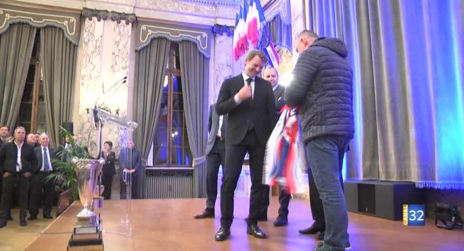 Canal 32 - Motoball : le Suma reçu en grandes pompes à la mairie de Troyes