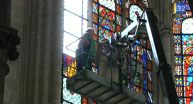 Canal 32 - Un vitrail de St Urbain exposé au public