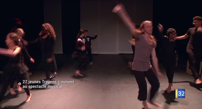 Canal 32 - Troyes : 27 jeunes de l'agglomération répètent un nouveau spectacle musical