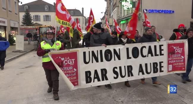 Canal 32 - 350 manifestants dans les rues de Bar-sur-Aube
