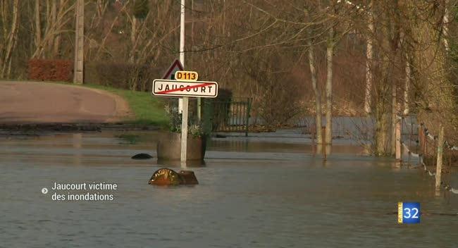 Canal 32 - A Jaucourt, les habitants attendent la décrue pour estimer les dégâts