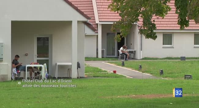 Canal 32 - Mesnil-Saint-Père : le village vacances attire des nouveaux touristes
