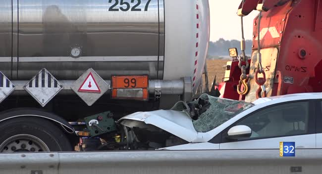 Canal 32 - Accident sur l'A5 : un poids lourd transportant des matières dangereuses impliqué