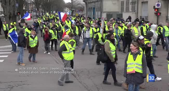 Canal 32 - Acte VIII des Gilets Jaunes à Troyes : entre mobilisation suivie et débordements. REPORTAGE COMPLET.