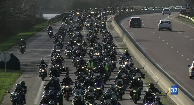 Canal 32 - Aube : motards et automobilistes manifestent contre l'abaissement de la vitesse à 80km/h