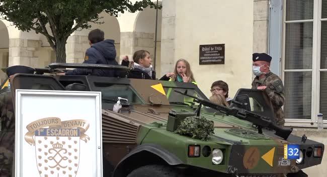Canal 32 - Bar-sur-Aube devient ville marraine du 1er escadron du 5ème régiment de dragons