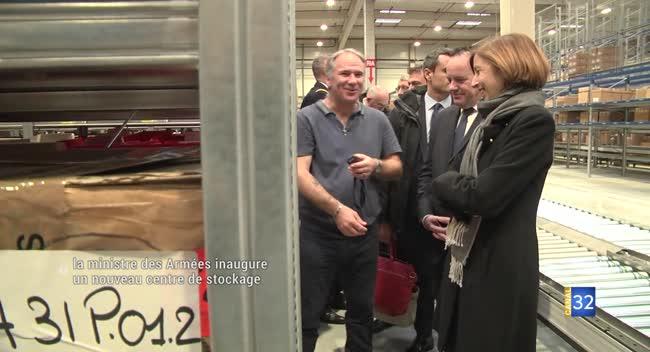 Canal 32 - Châtres : Florence Parly, ministre des armées, visite le nouvel entrepôt d'habillement militaire