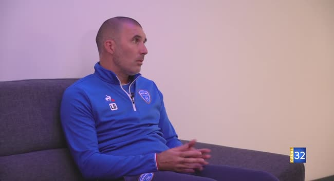 Canal 32 - Club Estac avec Laurent Batlles, l'entraîneur de l'Estac.