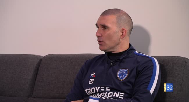Canal 32 - Club Estac : interview bilan avec Laurent Batlles, l'entraîneur de l'Estac.