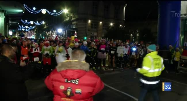 Canal 32 - Corrida de Noël : revivez le départ !