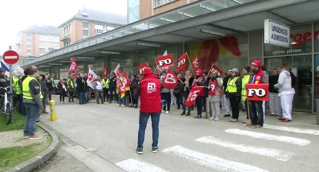 Canal 32 - Crise à l'hôpital de Troyes : les manifestants réclament davantage de moyens