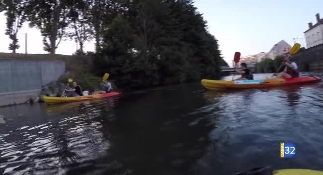 Canal 32 - Déconfinez-moi ! Caroline Bourry vous emmène en kayak sur les bords de Seine