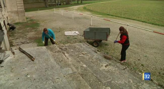 Canal 32 - Des bénévoles pour restaurer le Château de Vaux