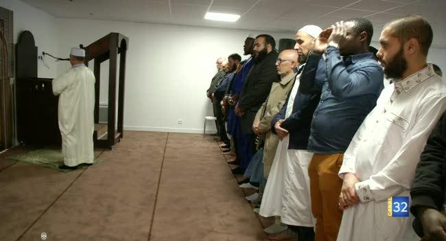 Canal 32 - Des jeunes Aubois ouvrent une mosquée à Troyes