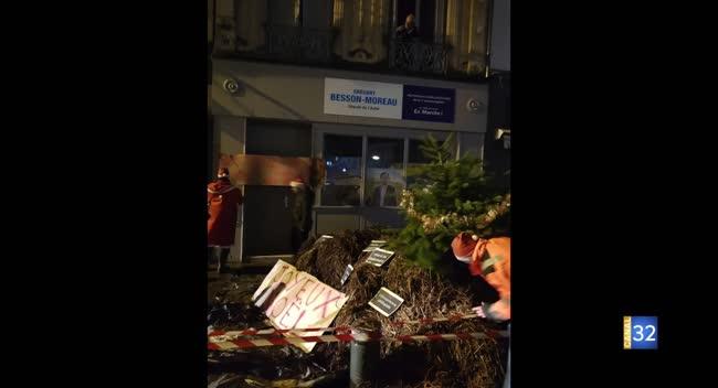 Canal 32 - Bar-sur-Aube : les Jeunes agriculteurs déversent (à nouveau) leur colère. Vidéo et réactions.