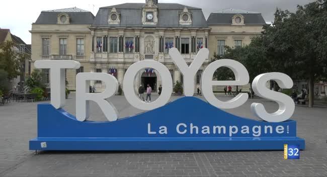 Canal 32 - Des lettres XXL pour promouvoir Troyes