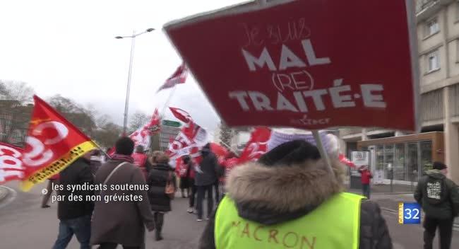 Canal 32 - Des non grévistes soutiennent l'action syndicale contre la réforme des retraites