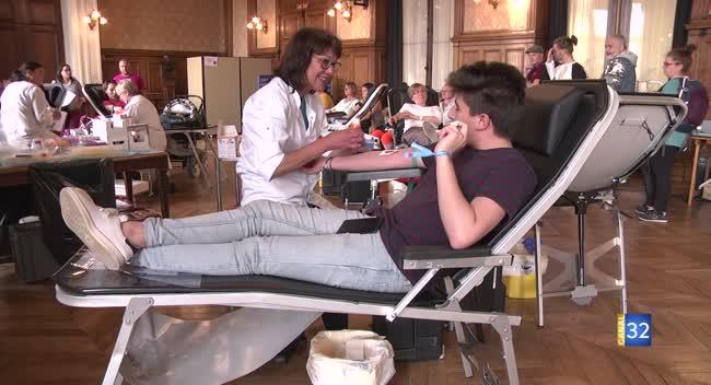 Canal 32 - Don du sang : les associations à la recherche de nouveaux donneurs