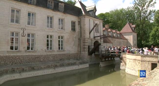 Canal 32 - Droupt-Saint-Basle : 350 personnes à la dernière visite du château