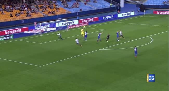 Canal 32 - Estac-Clermont : une défaite pour un premier match à domicile (1-2)
