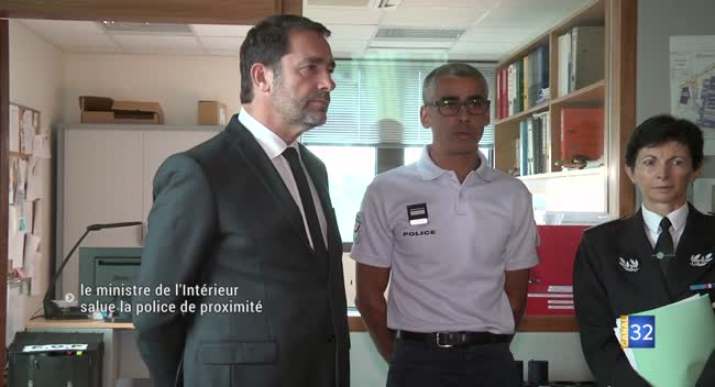 Canal 32 - En visite à Troyes, Christophe Castaner salue la police de proximité