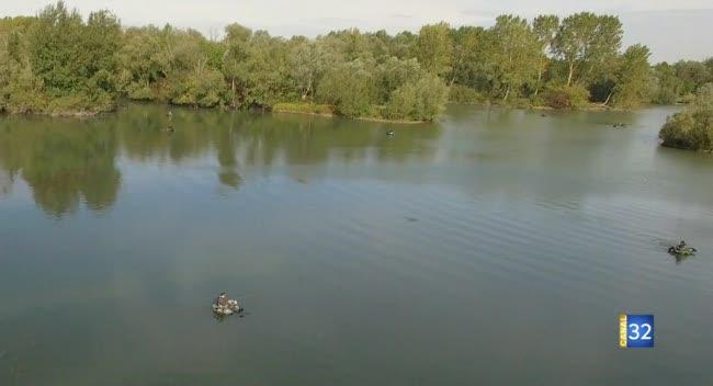 Canal 32 - Float tube : une pêche au plus près de la nature