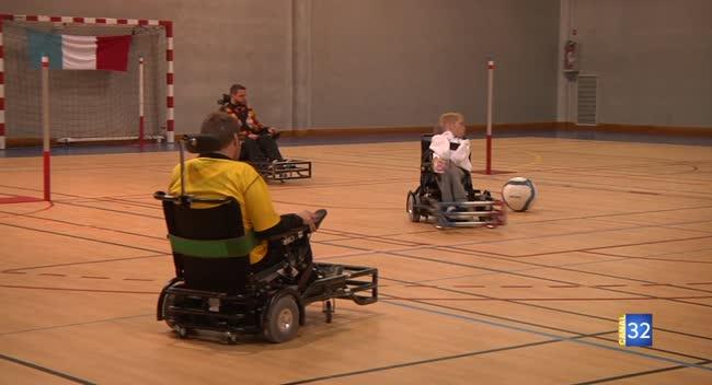 Canal 32 - Foot fauteuil : les champions du Monde français en stage à Troyes