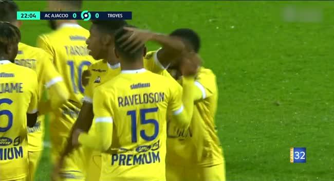 Canal 32 - Football L2, le résumé d'Ajaccio - Estac en images