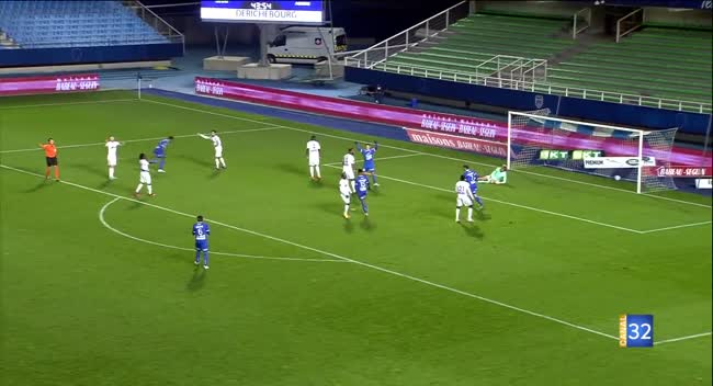 Canal 32 - Football L2, l'Estac tout en maîtrise face à Amiens : 2-1