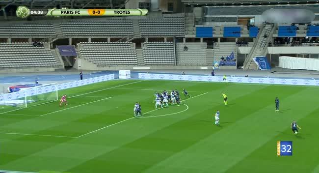 Canal 32 - Football : Retour en images sur la rencontre Paris FC - Estac