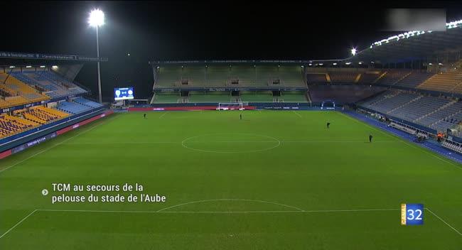 Canal 32 - Football, la pelouse du stade de l'Aube en état d'alerte