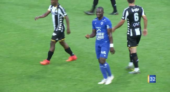 Canal 32 - Football, première défaite de l'Estac face à Charleroi : 2-1