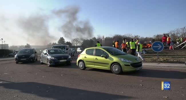 Canal 32 - Gilets jaunes : les barrages filtrants continuent à Troyes ce dimanche