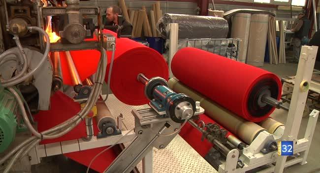 Canal 32 - Grand Format : à Rosières, Compositex augmente sa production pour la santé et l'hygiène