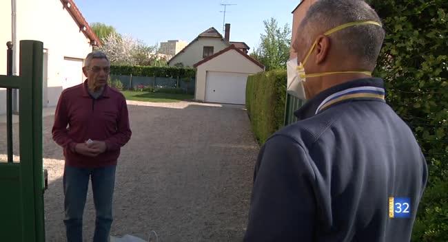Canal 32 - Grand Format : l'Estac distribue des paniers de Pâques à ses abonnés de plus de 70 ans.