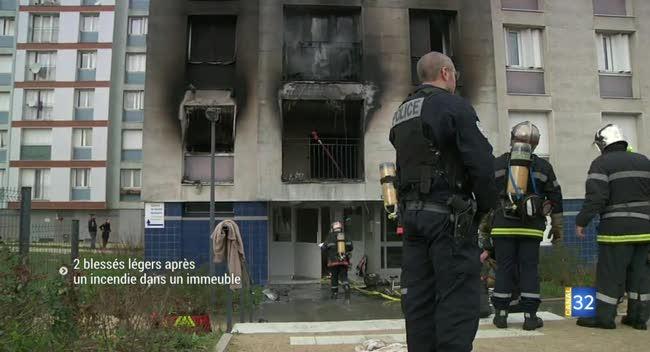 Canal 32 - 2 blessés légers après un spectaculaire incendie à La Chapelle Saint-Luc