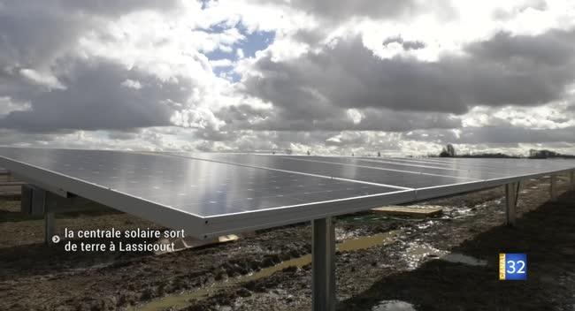 Canal 32 - 39 000 panneaux photovoltaïques ! La centrale solaire de Lassicourt sort de terre