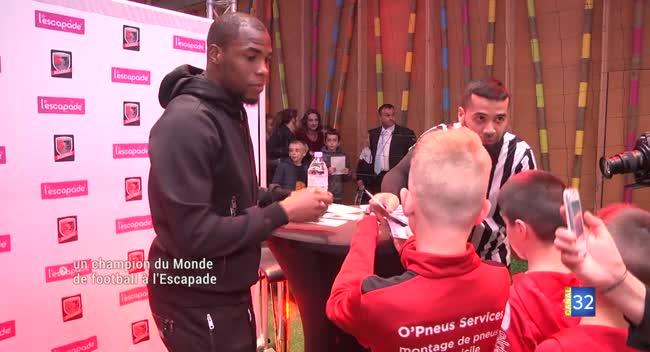 Canal 32 - La Chapelle Saint-Luc : Djibril Sidibé à la rencontre de ses fans aubois