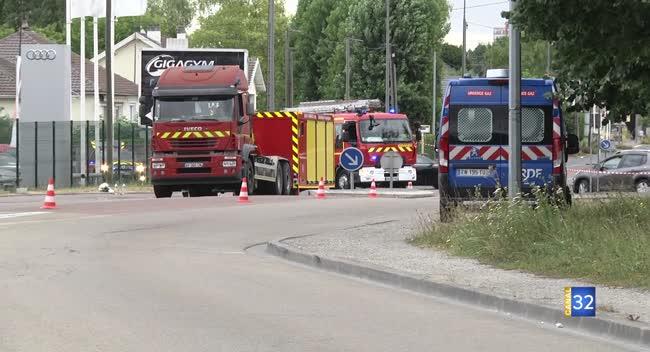 Canal 32 - La circulation interrompue durant deux heures à l'entrée de Troyes