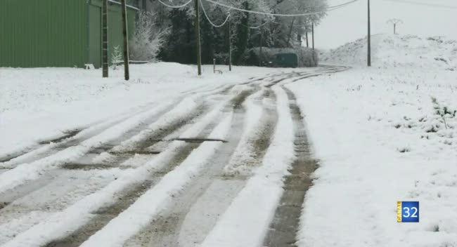 Canal 32 - Neige et verglas : la Préfecture appelle à la vigilance sur les routes auboises