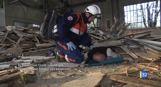 Canal 32 - La Protection Civile simule une tempête pour former ses secouristes bénévoles