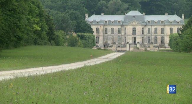 Canal 32 - Fouchères : l'allée du Château de Vaux rouvre après un siècle de fermeture