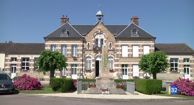 Canal 32 - Du côté du XIXème - La mairie-école de Jully-sur-Sarce